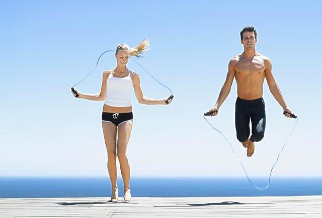跳绳和跑步哪个瘦身好?